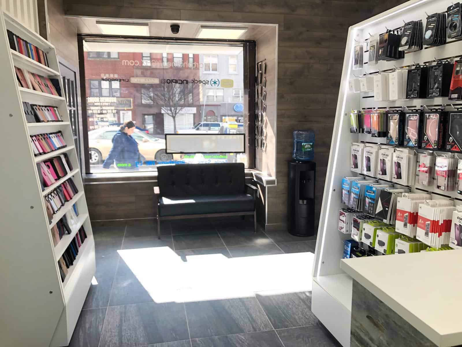 new phone repair shop in Brooklyn