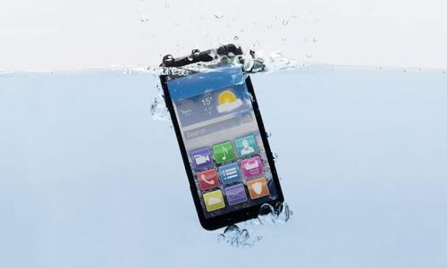 Steps to Save Your Phone If You Drop It In Water